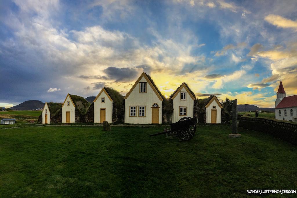 20-lugares-unicos-islandia-casitas-hierba