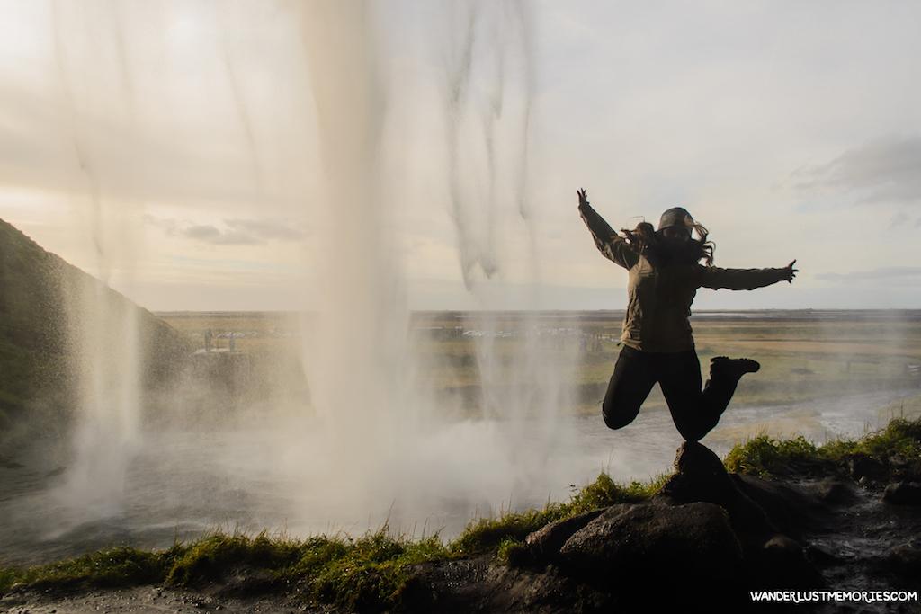 20-lugares-unicos-islandia-salto